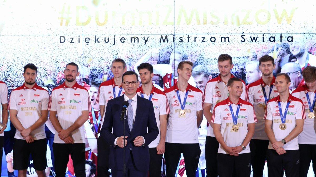 Morawiecki do siatkarzy: Cała Polska jest z was dumna