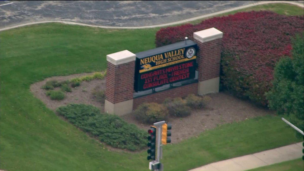 Ewakuacja szkoły w Naperville z powodu pogróżek