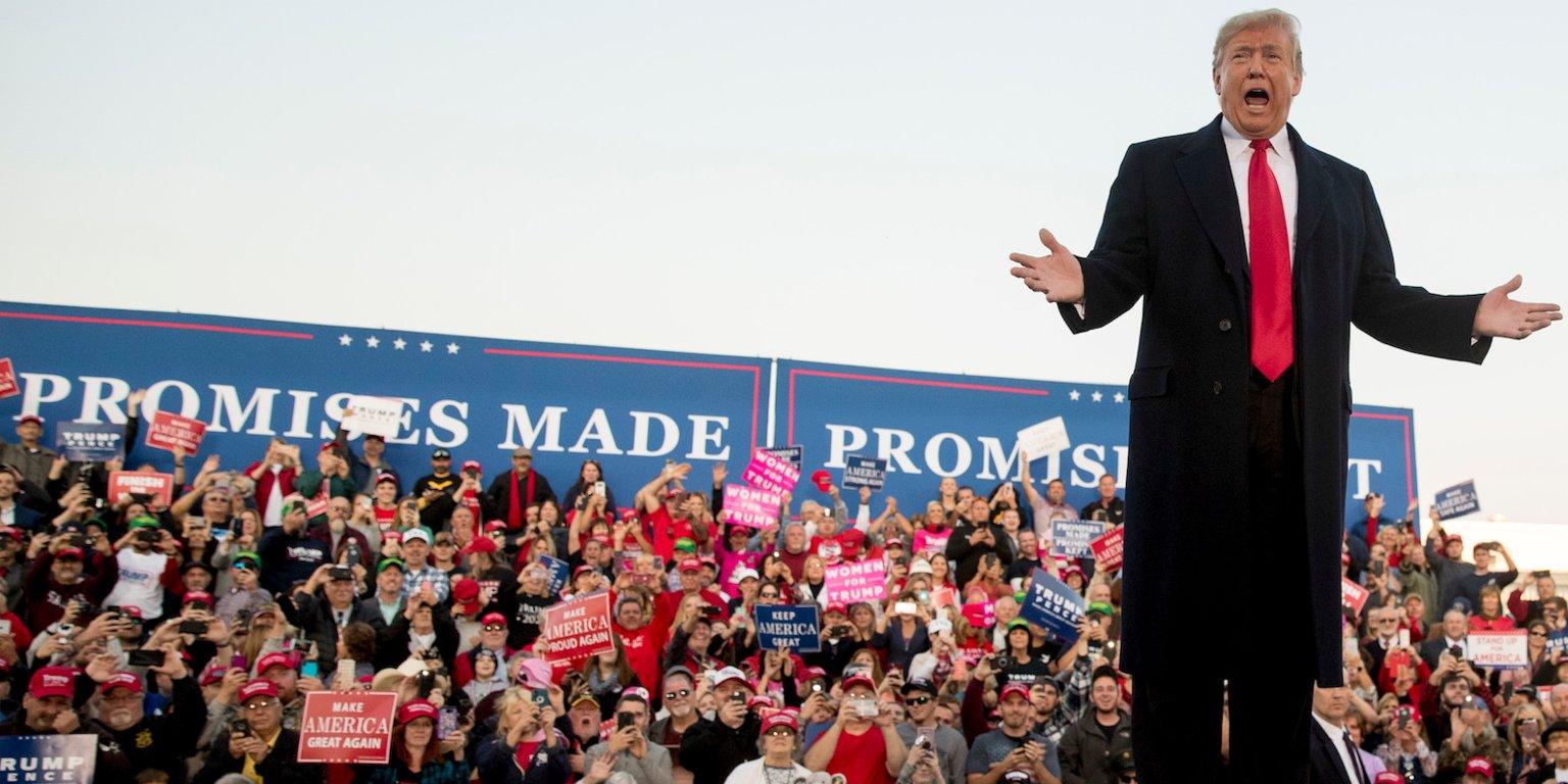 Donald Trump na wiecu wyborczym w Illinois zachęcał do głosowania na Republikanów