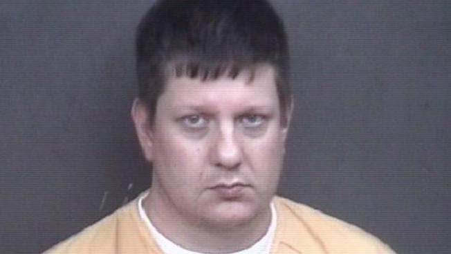 Jason Van Dyke został pobity w więzieniu w Connecticut