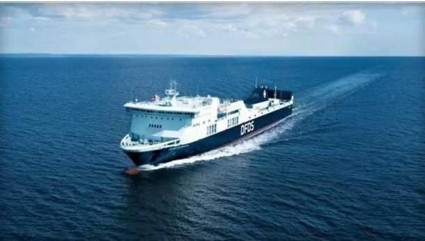 """Na Bałtyku płonął prom """"Regina Seaways"""" z ponad 300 pasażerami na pokładzie"""