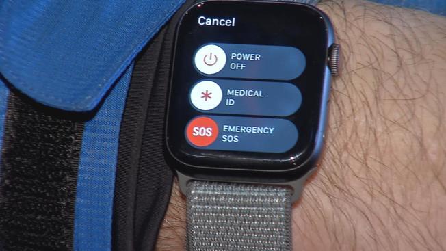 Posiadacze nowoczesnych zegarków przypadkowo wybierają numer alarmowy 911