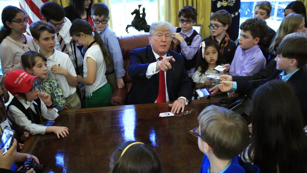 """Trump: """"To absurdalne, trzeba z tym skończyć"""". Prawo ziemi tylko dla dzieci legalnych imigrantów"""