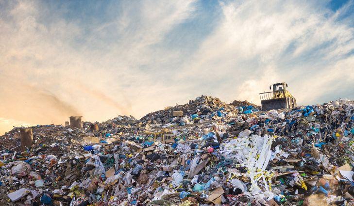 Firmy oszukują i recykling wyrzucają na zwykłe wysypiska śmieci