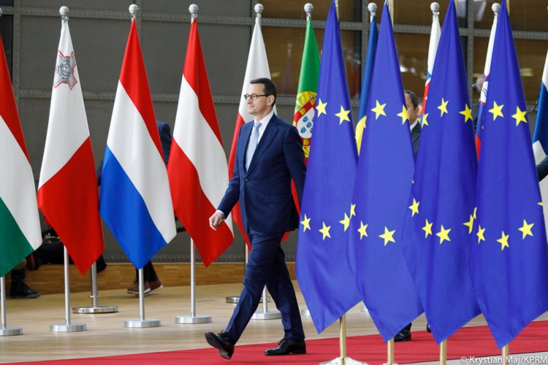 Premier Morawiecki w Brukseli. 100 złotych dopłat do tuczników i 500 złotych do krów