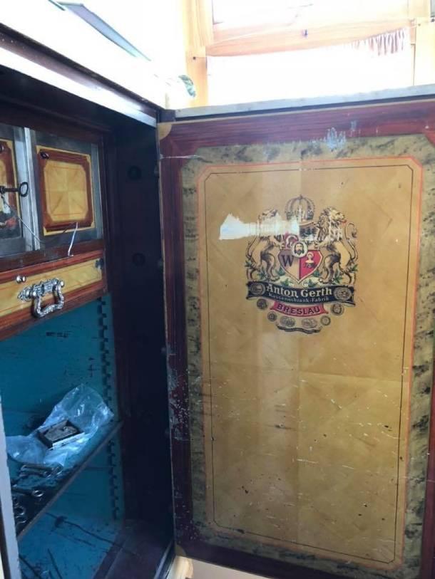 Otwarto sejf wyprodukowany przed wojną w Breslau. Oto co było w środku