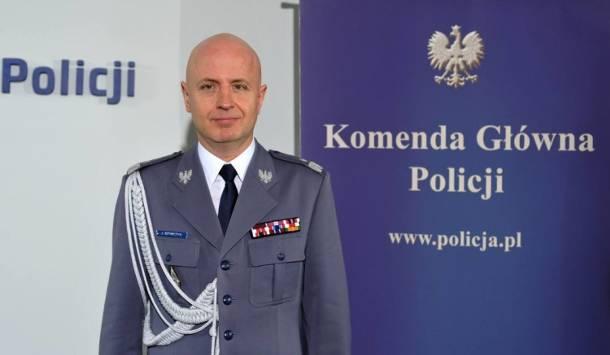 Komendant główny Policji: Podwyżka w wys. 562 zł w 2019 r., 100 proc. płatne chorobowe, uprawnienia emerytalne… Mało?!