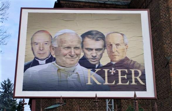 """Proboszcz w Liskowie promuje zasłużonych kapłanów i odpowiada na film """"KLER"""""""