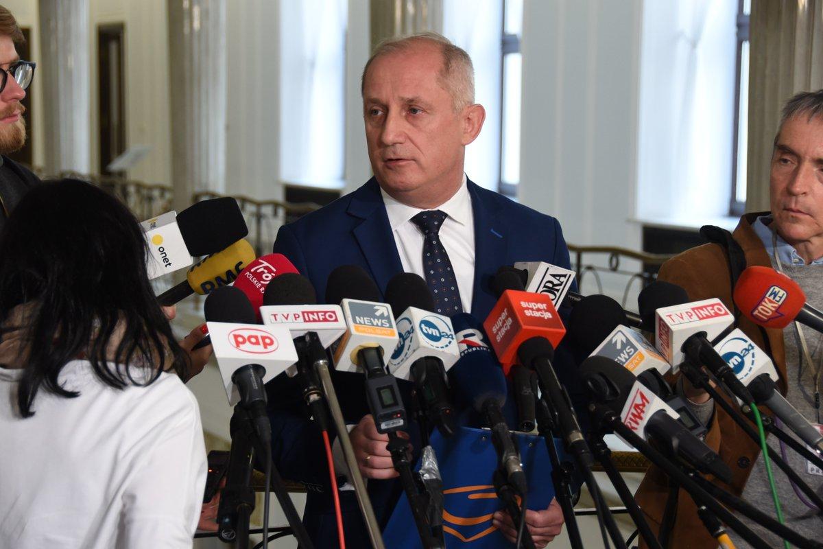 Klub PO wnosi o wstrzymanie prac nad ustawą o nadzorze finansowym