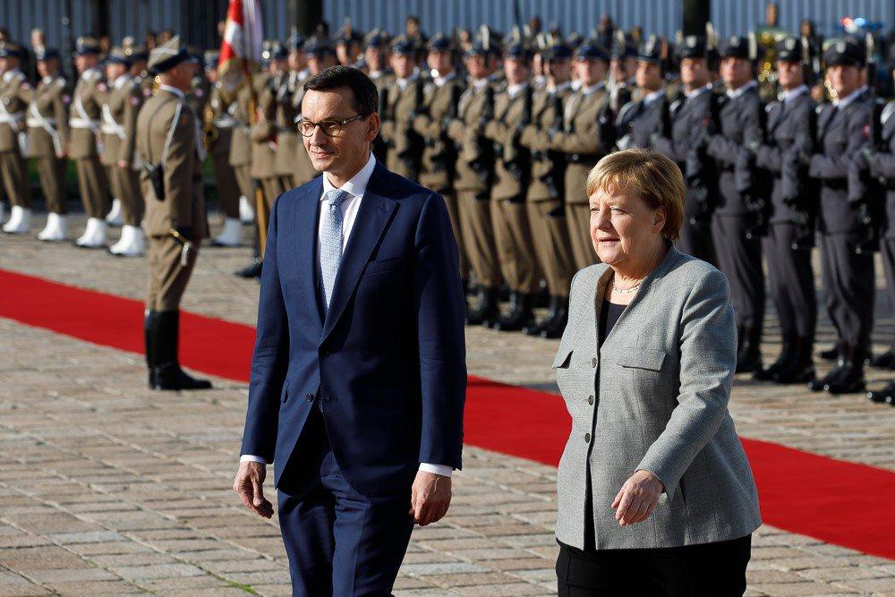 Morawiecki i Merkel o przyszłości UE, migracjach i Nord Stream 2