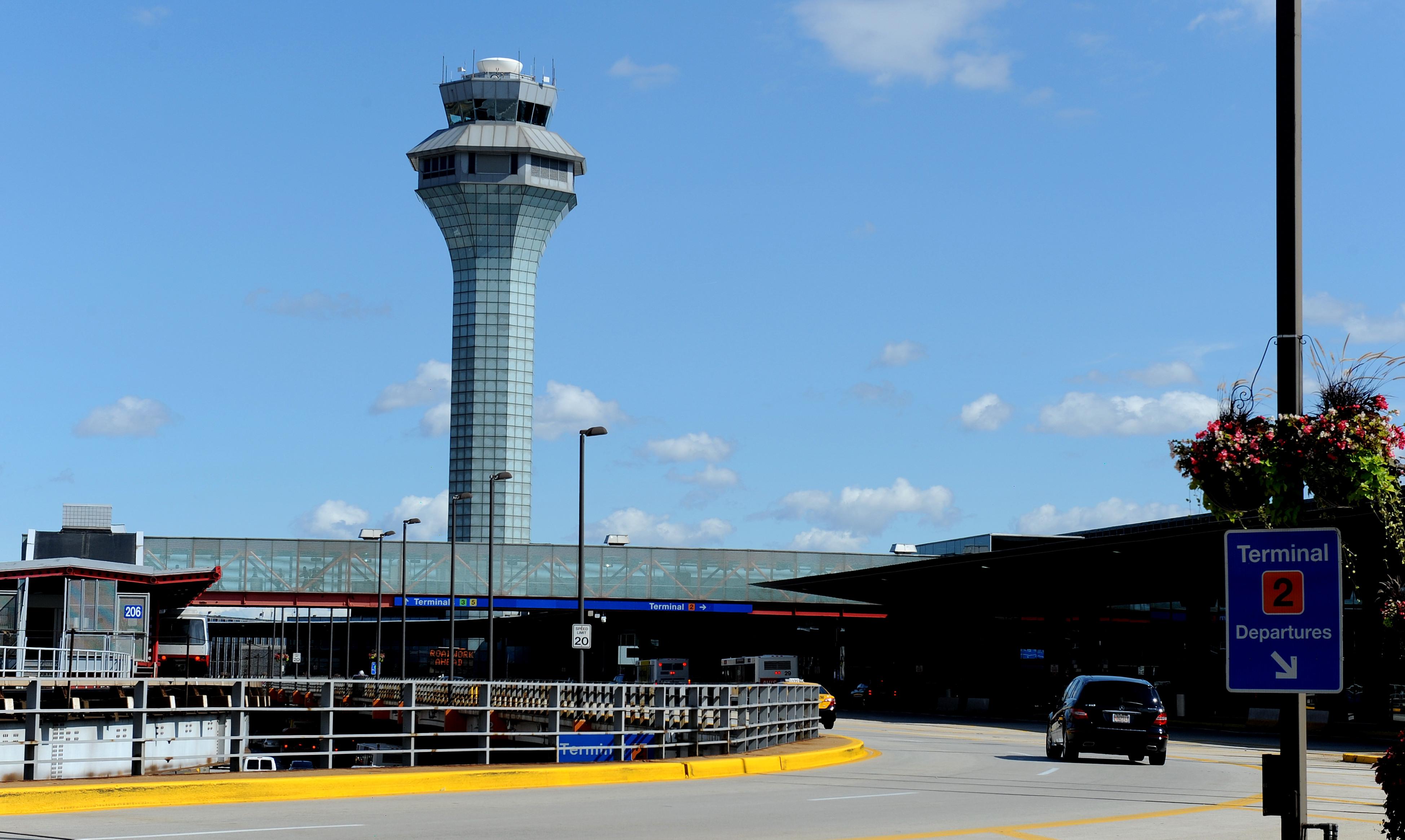 O'Hare na pierwszym miejscu lotnisk na które najdłużej się jedzie przed Thanksgiving