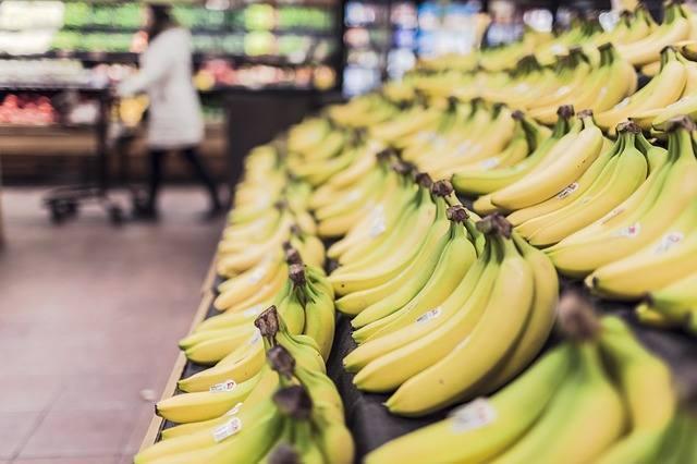 Narkotyki między bananami w marketach w Łodzi i w Skierniewicach. Oświadczenie sieci Stokrotka