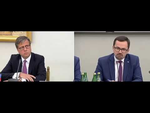 """Dominik Radziwiłł przesłuchany przez komisję śledczą ds. VAT. """"Nie omawialiśmy rosnących problemów ze ściągalnością VAT-u"""""""