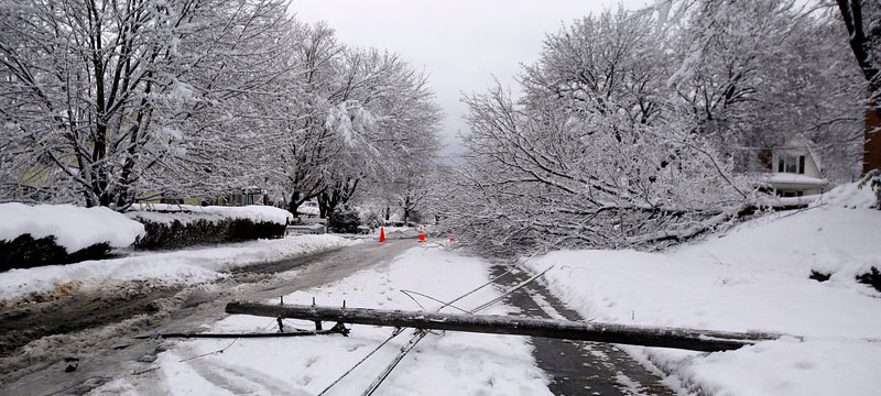 Bez prądu w metropolii chicagowskiej jest ponad 170 tysięcy ludzi