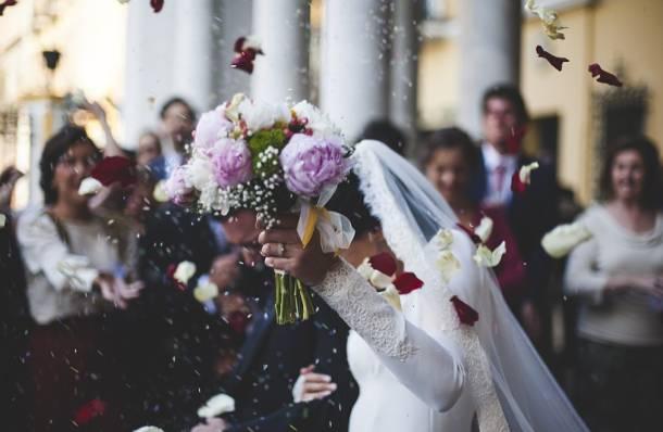 Łódzkie: Urząd skarbowy wypytuje i sprawdza nowożeńców. Pytają o firmy weselne oraz ile dostali do kopert