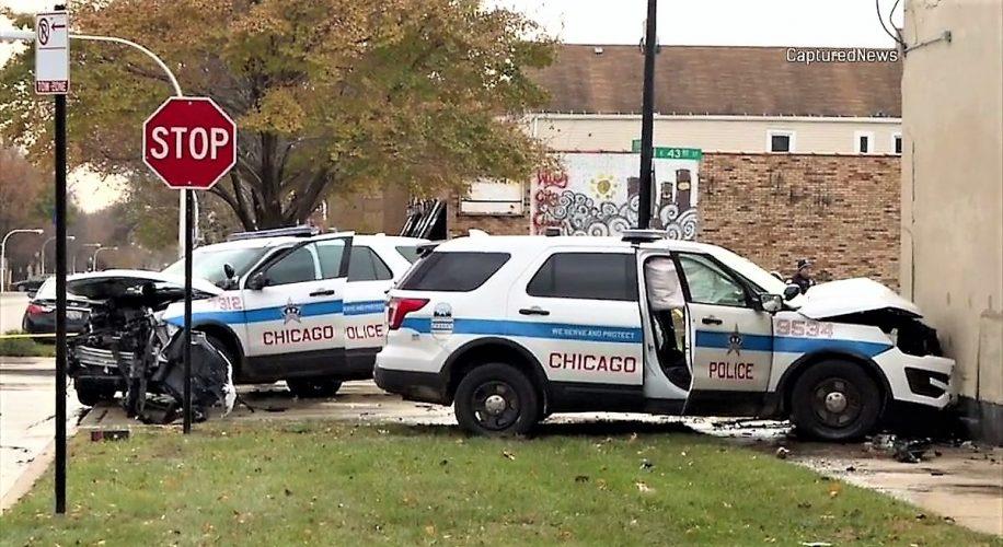 W dzielnicy Bronzeville zderzyły się radiowozy. 3 policjantów rannych
