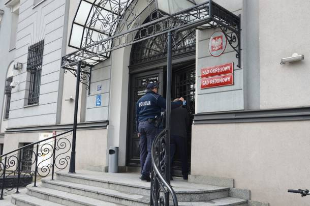 Małopolska: Brutalny atak na kobietę. Bandyta podpalił 37-latkę