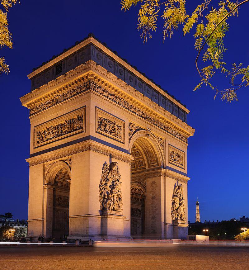 """Stan wyjątkowy we Francji? """"Łuk Triumfalny zbezczeszczono"""""""