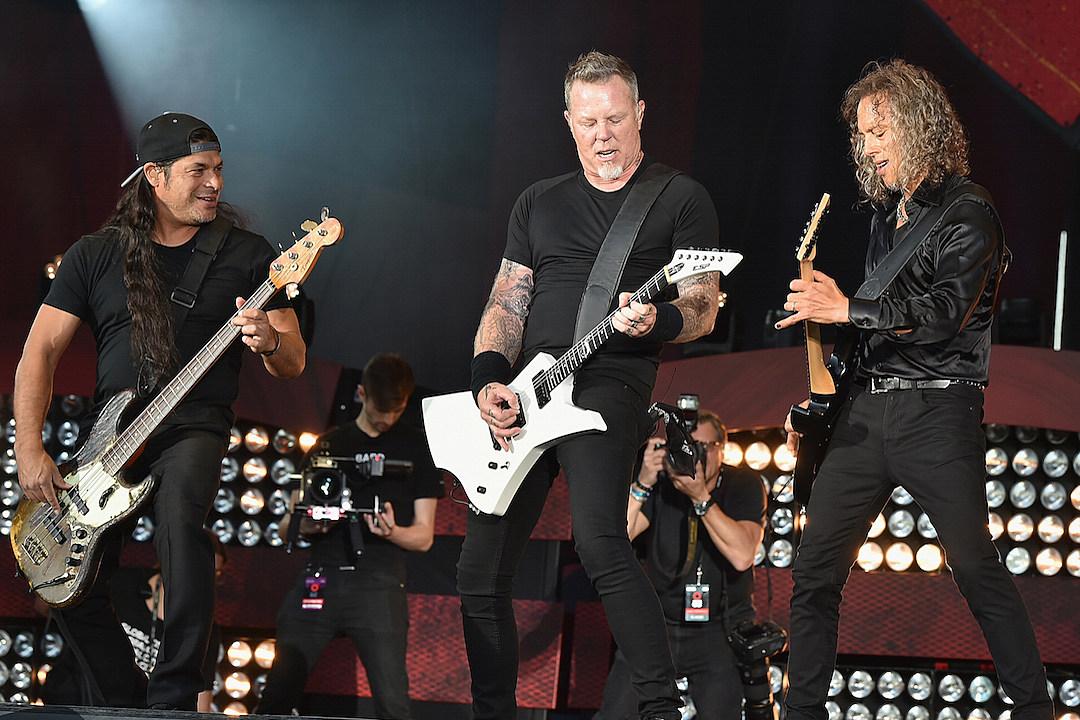 Metallica wspiera finansowo studentów z Illinois
