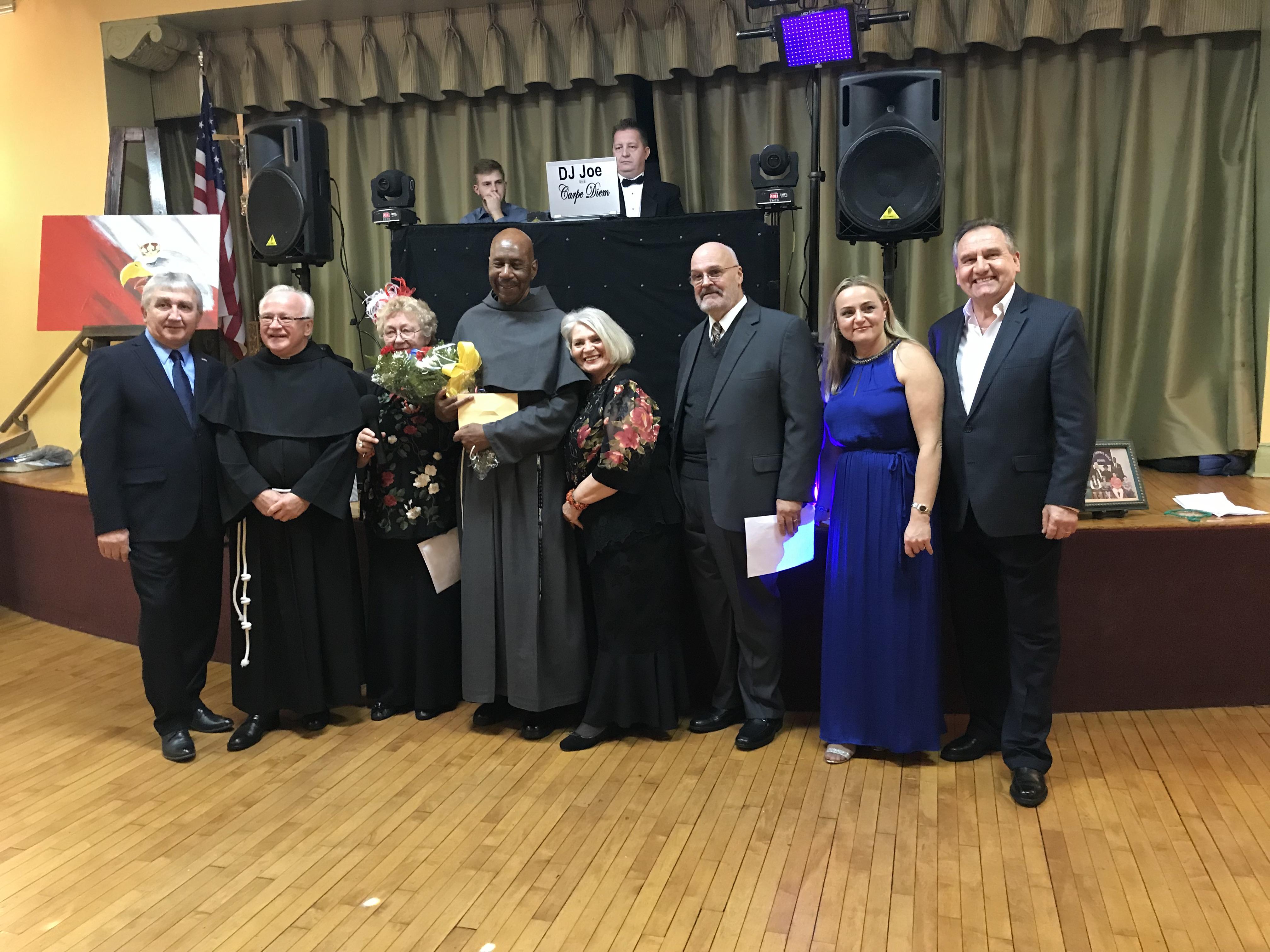 Polonijna zabawa Andrzejkowa w parafii Jana Kantego w Clifton, NJ.