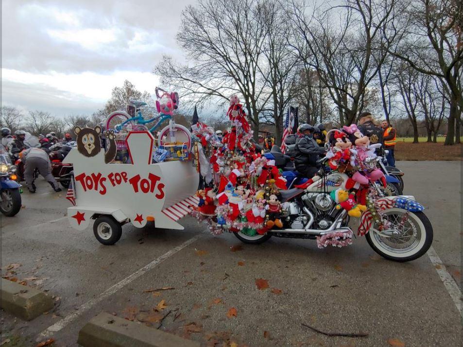 W Chicago Odbyła Się 41 Parada Toys For Tots