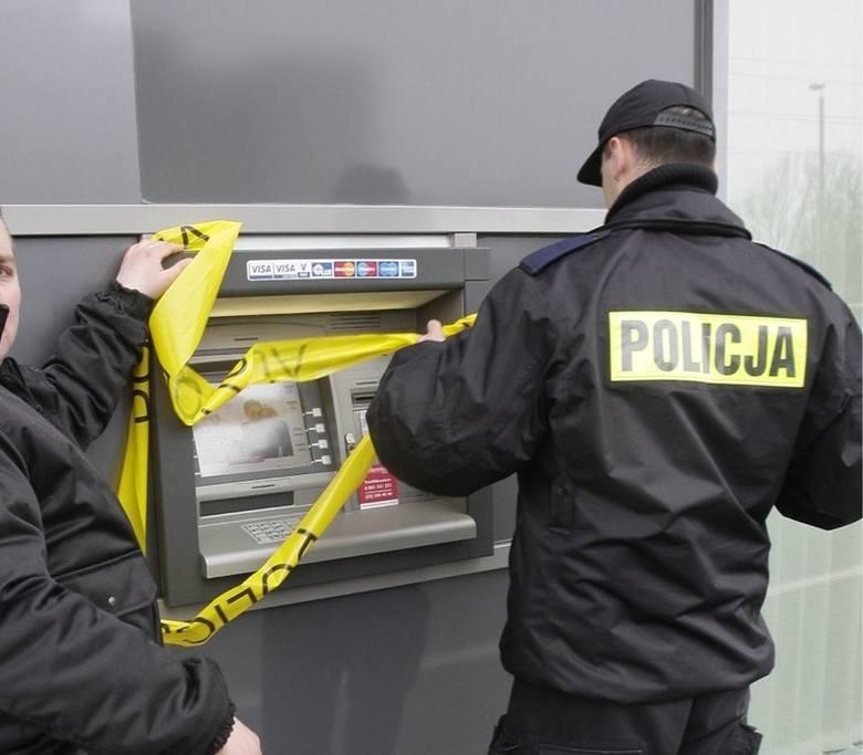 Uwaga, nie skanujcie kodu QR na bankomacie. Policja ostrzega!