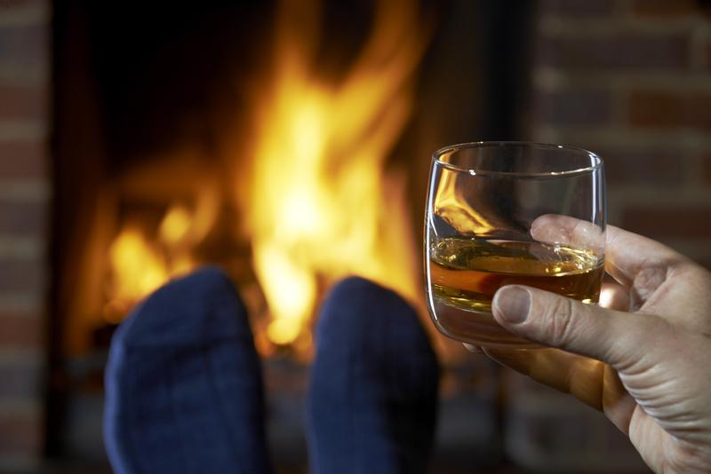 Najnowsze badania mogą zdziwić. Whisky nowym sposobem na przeziębienie?