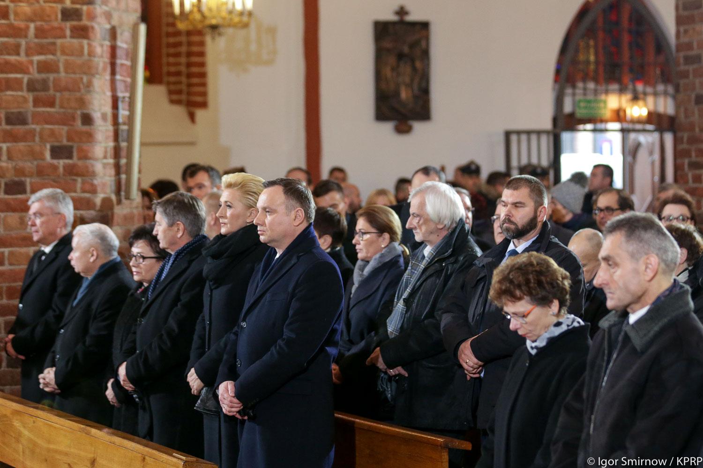 Pogrzeb Jolanty Szczypińskiej. Obecni przedstawiciele najwyższych władz państwowych  w tym Jarosław Kaczyński