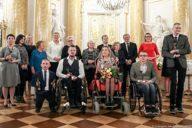 """Gala """"Człowiek bez barier"""": Niepełnosprawność to nie bariera! [PRZECZYTAJ KONIECZNIE]"""