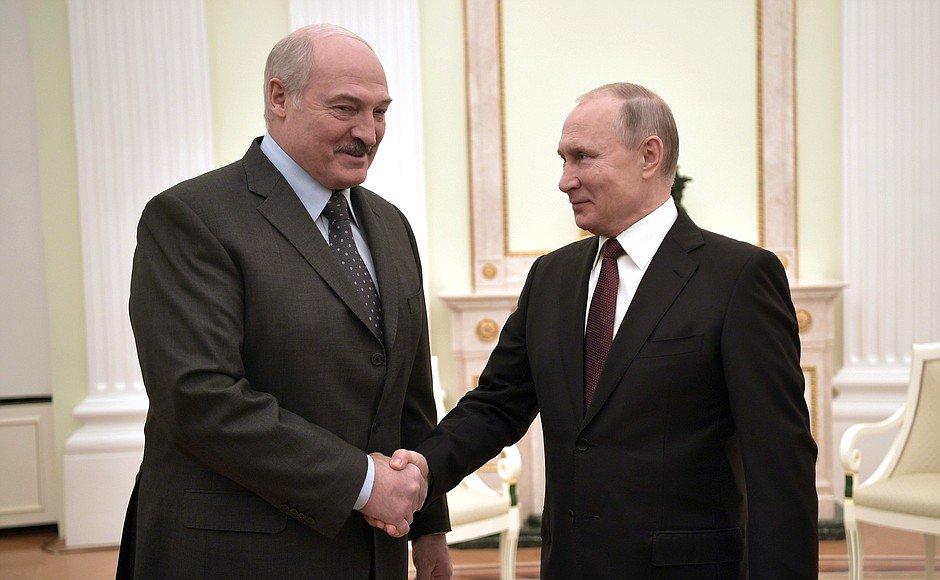 Łukaszenka w Moskwie. O czym rozmawiał z Putinem?