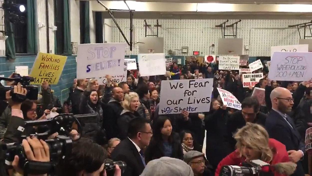 Mieszkańcy Queensu nie chcą kolejnego schroniska dla bezdomnych