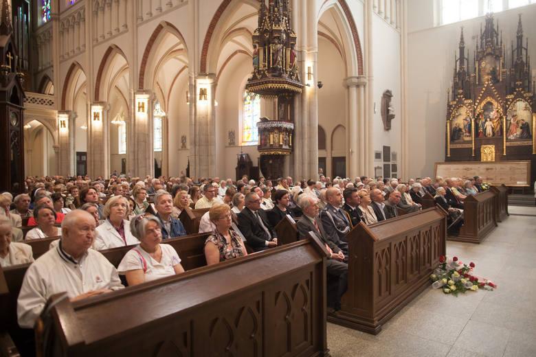 Archidiecezja łódzka najmniej religijna w kraju. Pustki w kościołach są największe na łódzkim Widzewie