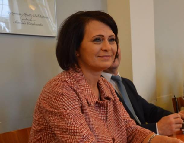 Bełchatów. Prezydent zatrudniła córkę w swojej kancelarii, dyrektor muzeum dał pracę synowi