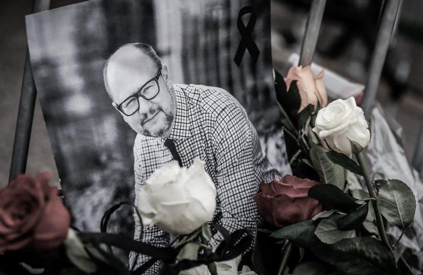 Śmierć prezydenta Adamowicza tylko na chwilę wyciszyła konflikt