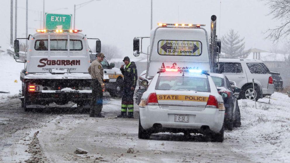 Pasażerowie utknęli w zepsutym i zimnym autobusie na I-55