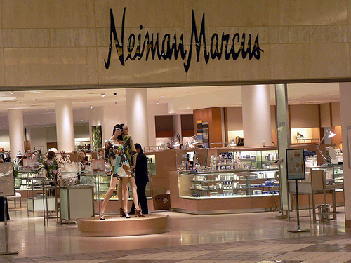 Sklepy Neiman Marcus zapłącą za wyciek danych kart kredytowych swoich klientów