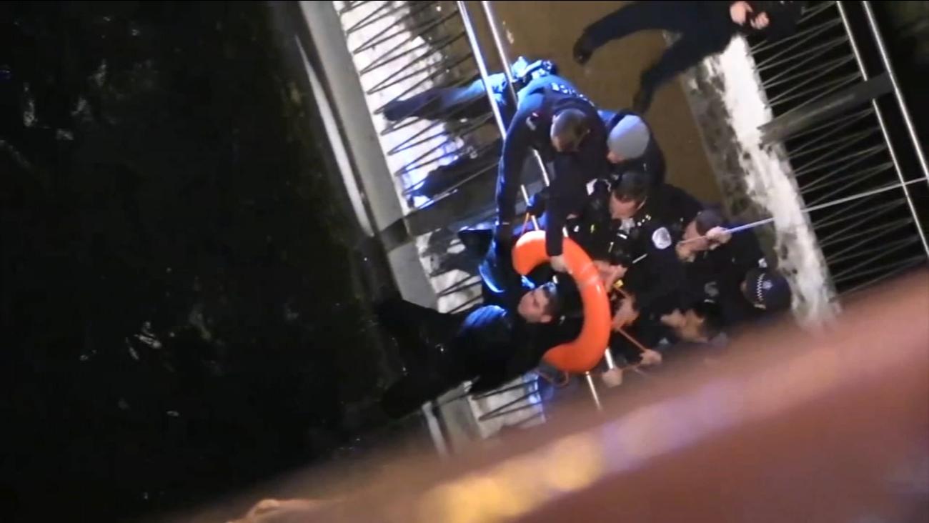 Pijany 29-latek wskoczył do rzeki Chicago