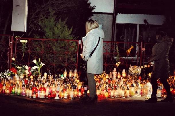 Dziś w Koszalinie pogrzeb pięciu dziewcząt tragicznie zmarłych w pożarze escape roomu