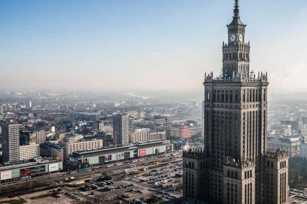 Raport GUS: Warszawa trzy razy bogatsza od reszty Polski