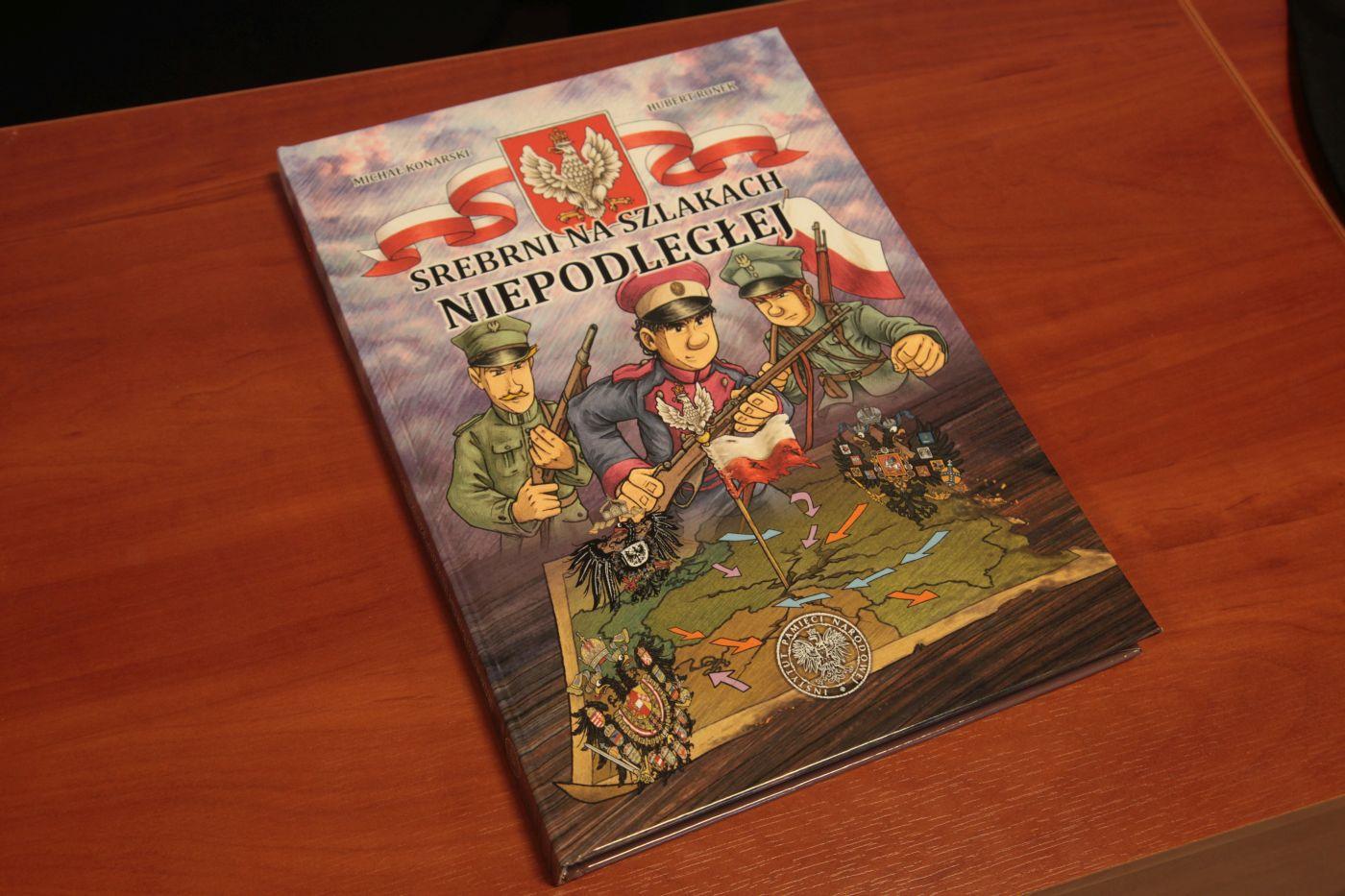 """IPN zaprezentował najnowszy komiks dla dzieci """"Srebrni na szlakach Niepodległej"""""""