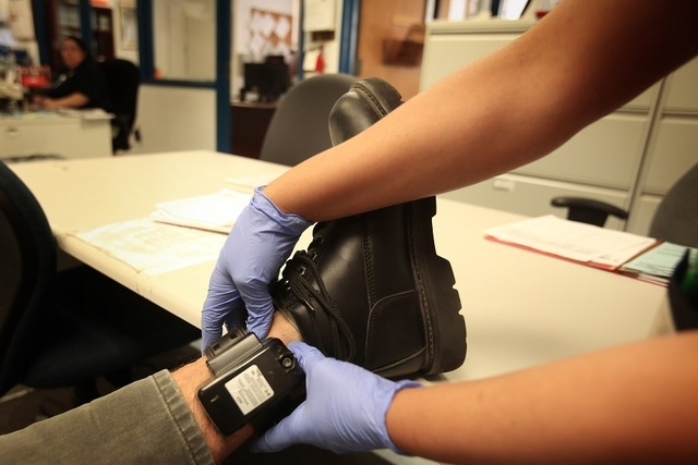 Biuro szeryfa powiatu Cook poszukuje 300 przestępców objętych monitoringiem