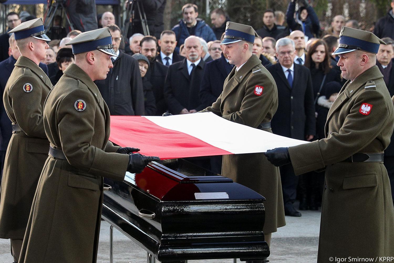 Premier Jan Olszewski spoczął na Powązkach Wojskowych