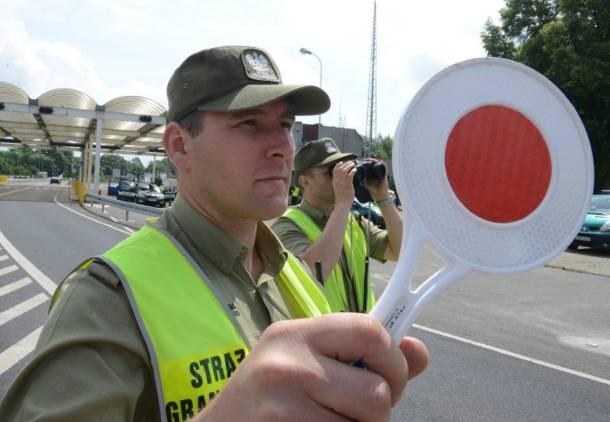 Wróciły kontrole na przejściu granicznym ze Słowacją, na drodze krajowej nr 7 w Chyżnem