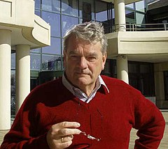 Czy negujący Holokaust brytyjski historyk David Irving wjedzie do Polski?