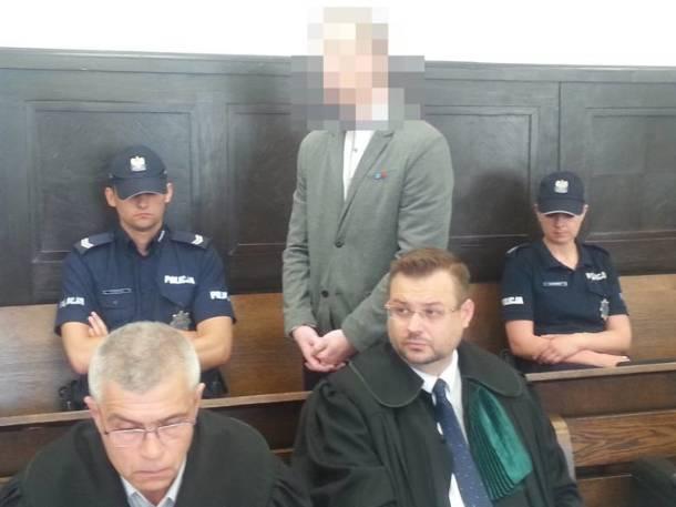 Łódzkie: Morderstwo pod Kutnem. Prokurator zażądał 25 lat więzienia dla byłego policjanta