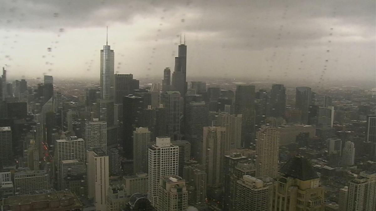 Gwałtowne burze przeszły przez Chicago. Towarzyszył im porywisty wiatr