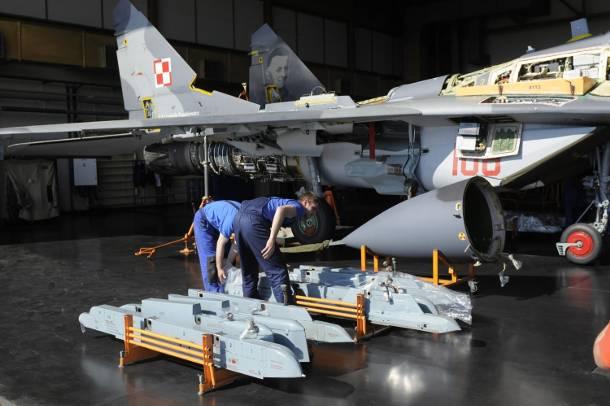 Mig z wypadku pod Warszawą był remontowany w wojskowych zakładach w Bydgoszczy