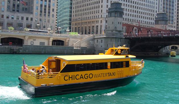 Wodne taksówki znów wypłyną na rzekę Chicago