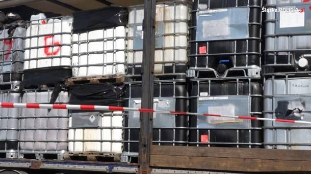 Śląska policja rozbiła mafię śmieciową. Grupa przestępcza zajmowała się nielegalnym składowaniem odpadów