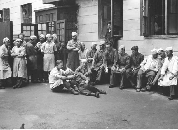 Jak strajkowało się przed wojną? Protestowali szewcy, kelnerzy, cukiernicy i tramwajarze